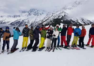 BUSINESS SHORT SKI - 40 employees in the Alps